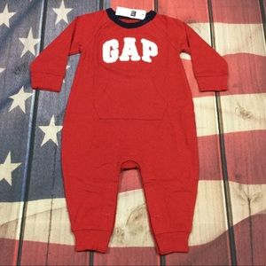 Gap Boys 3-6M 6-12M 12-18M Red Logo Romper